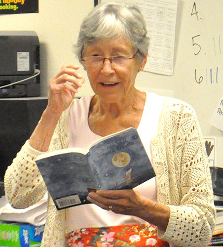 "Author Cynthia Voigt reads from her book ""Young Fredle"" for Mrs. Chung's class at Butterfield Elementary. Photo by Raquel Hendrickson"