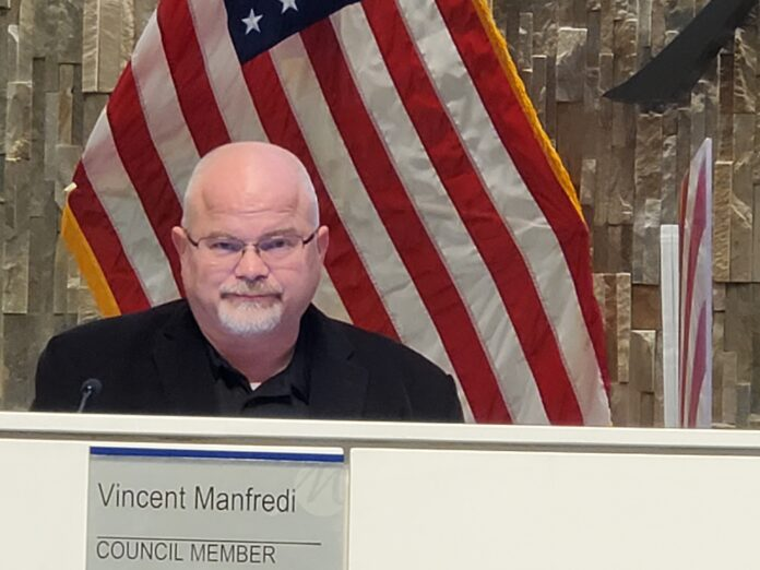 Vince Manfredi