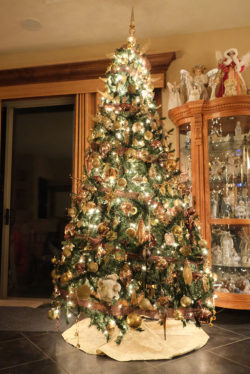 christmastreehouse_1-2