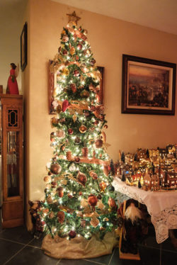 christmastreehouse_3-2