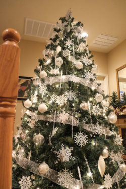 christmastreehouse_32-2